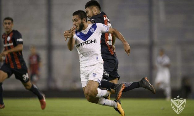 Vélez empató con San Lorenzo y se salvó del descenso